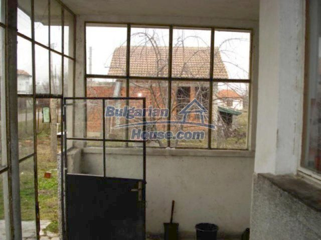 11692:12 - Well presented massive house 2 min drive from Yambol