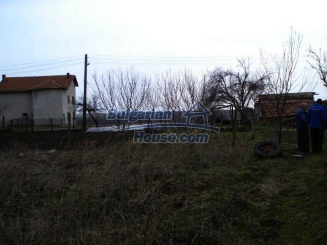 11692:15 - Well presented massive house 2 min drive from Yambol