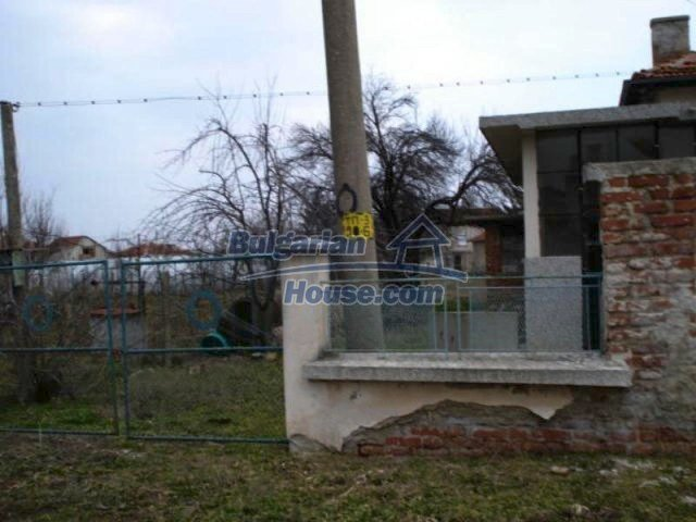 11692:16 - Well presented massive house 2 min drive from Yambol