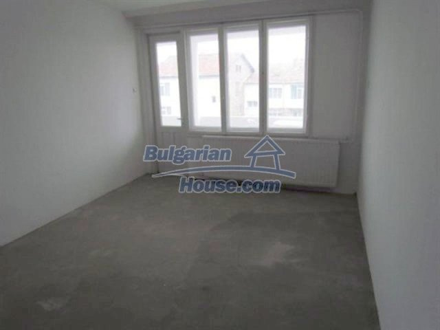 11698:17 - Beautiful spacious coastal three-storey house 6 km from Burgas