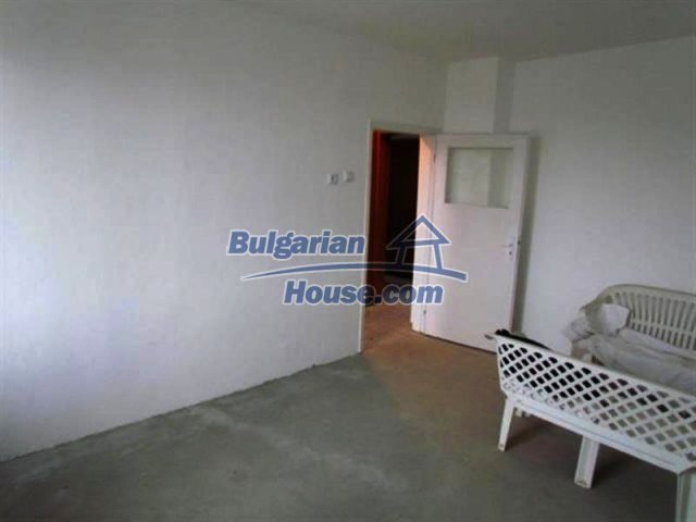 11698:20 - Beautiful spacious coastal three-storey house 6 km from Burgas