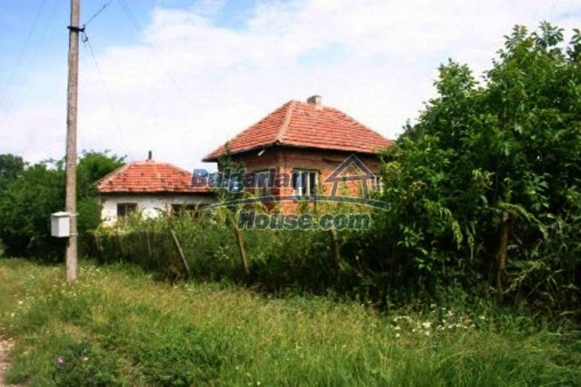 11702:1 - Lovely country house with a huge plot of land near Vratsa