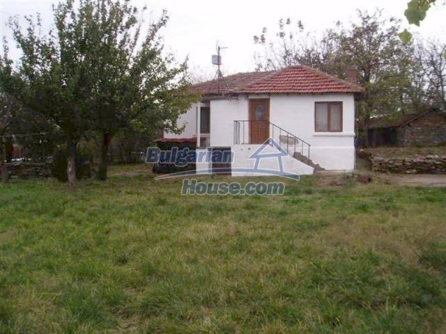 11704:1 - Pretty partly furnished and renovated house 13 km from Elhovo