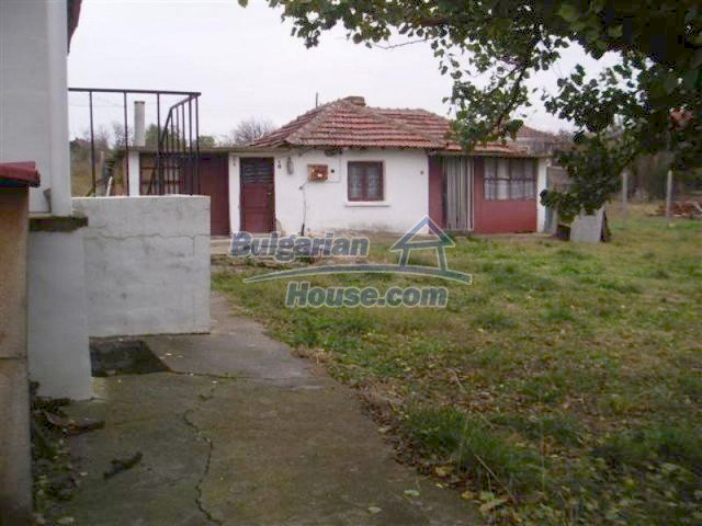 11704:13 - Pretty partly furnished and renovated house 13 km from Elhovo
