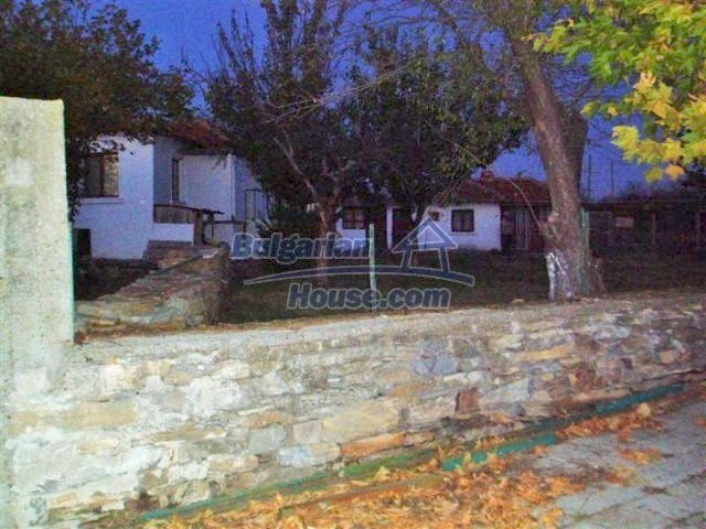 11704:15 - Pretty partly furnished and renovated house 13 km from Elhovo