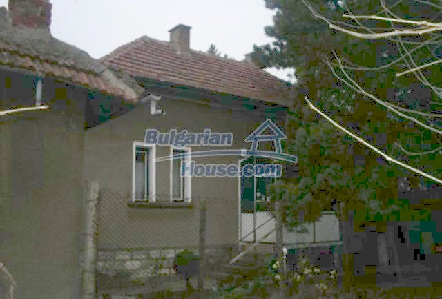 11708:3 - Massive house 20 km from Danube River – lovely surroundings