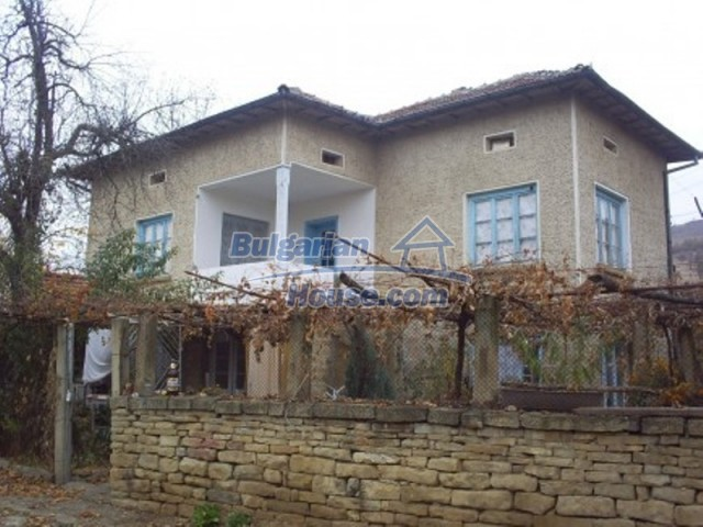 11719:1 - Spacious furnished house near Vratsa with extensive garden
