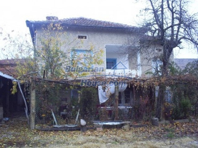 11719:2 - Spacious furnished house near Vratsa with extensive garden