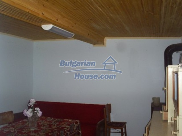 11719:10 - Spacious furnished house near Vratsa with extensive garden