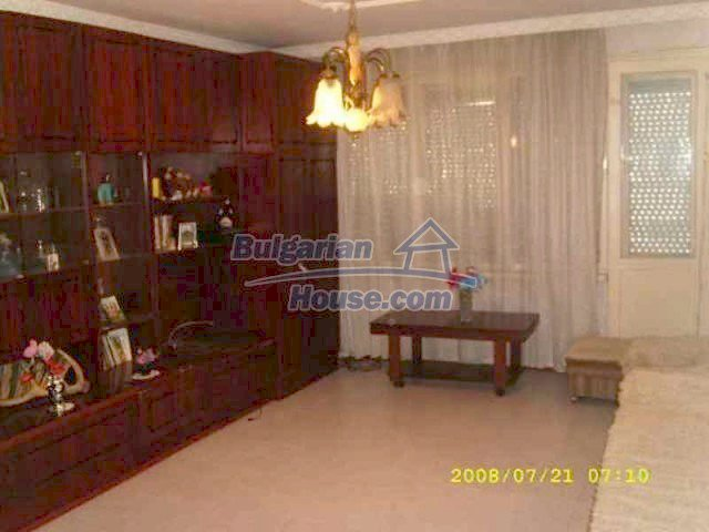 11723:1 - Pretty and comfortable apartment in the nice town of Elhovo