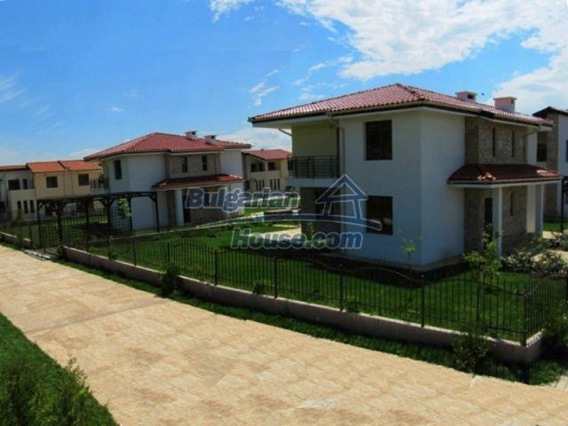 11726:18 - Variety of large and luxury seaside houses near Nessebar