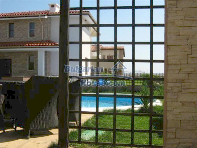 11726:28 - Variety of large and luxury seaside houses near Nessebar