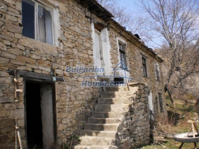 11739:2 - Sunny charming house in the mountains near Kardzhali