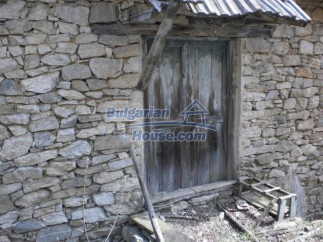 11739:9 - Sunny charming house in the mountains near Kardzhali