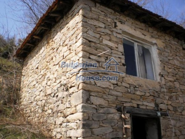 11739:13 - Sunny charming house in the mountains near Kardzhali