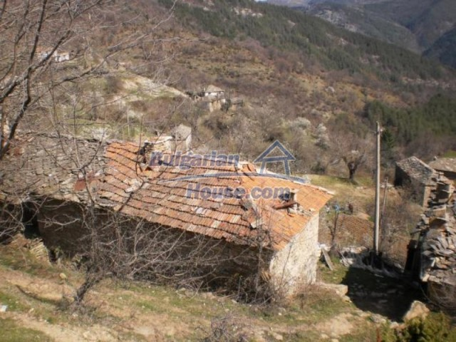 11739:14 - Sunny charming house in the mountains near Kardzhali