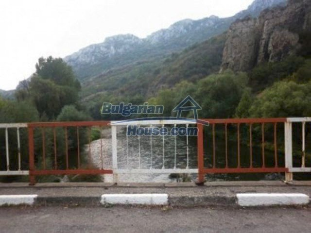 11742:8 - Well kept house right in the fascinating Iskar Gorge near Vratsa