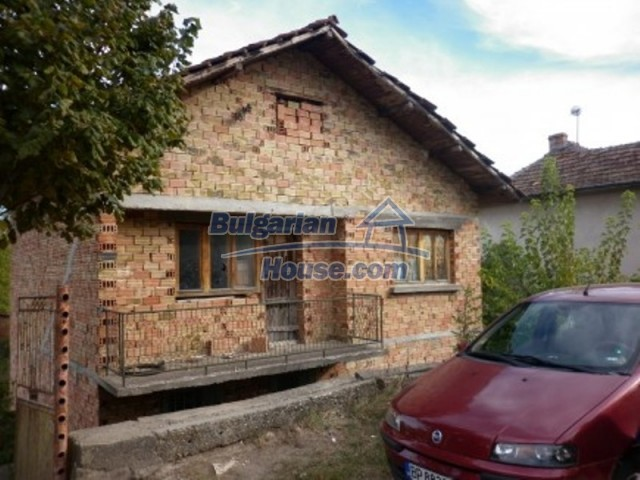 11748:2 - Spacious solid rural house with lovely surroundings near Vratsa