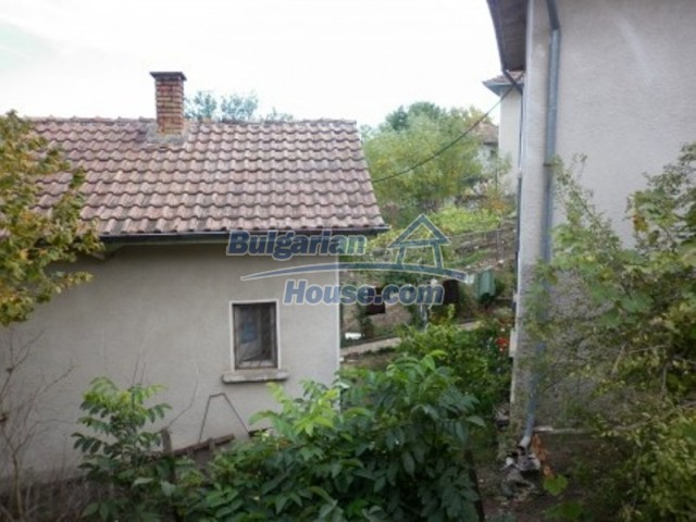 11748:6 - Spacious solid rural house with lovely surroundings near Vratsa