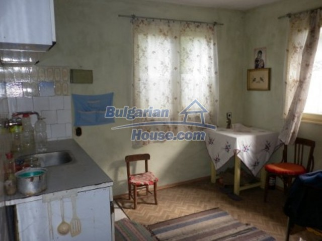 11748:11 - Spacious solid rural house with lovely surroundings near Vratsa