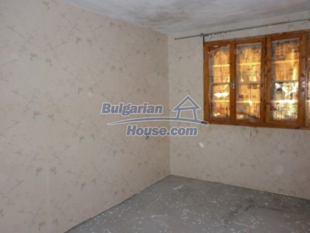 11748:13 - Spacious solid rural house with lovely surroundings near Vratsa