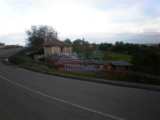 11751:5 - Massive well presented country house near Elhovo