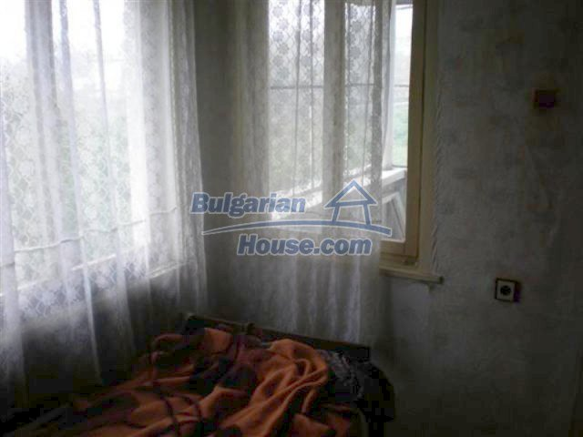 11751:17 - Massive well presented country house near Elhovo