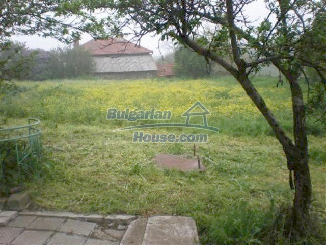 11751:18 - Massive well presented country house near Elhovo