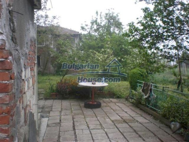 11751:19 - Massive well presented country house near Elhovo