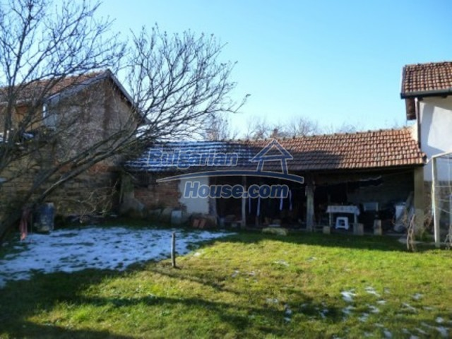 11753:5 - Lovely massive house with another guest house near Vratsa