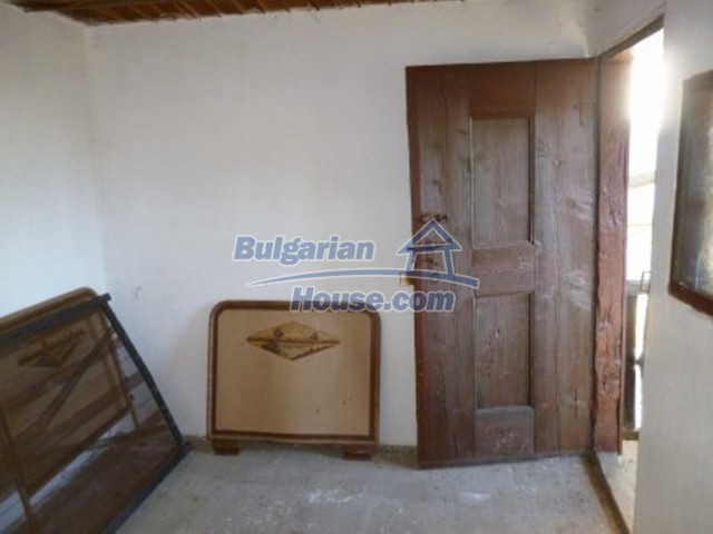 11753:10 - Lovely massive house with another guest house near Vratsa