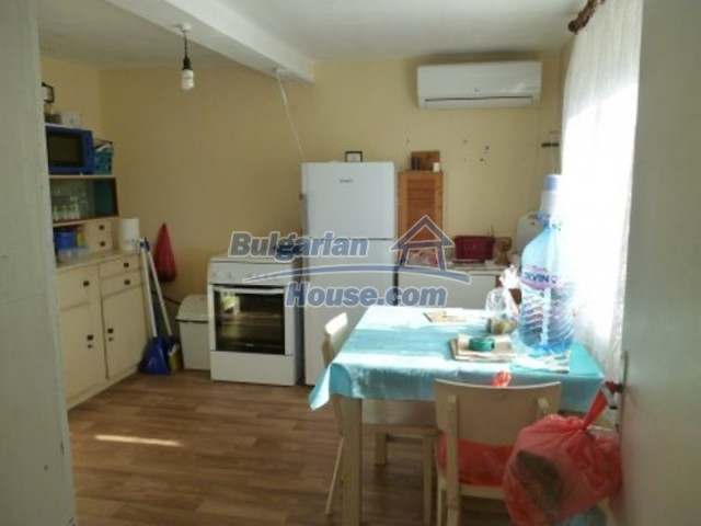 11753:17 - Lovely massive house with another guest house near Vratsa