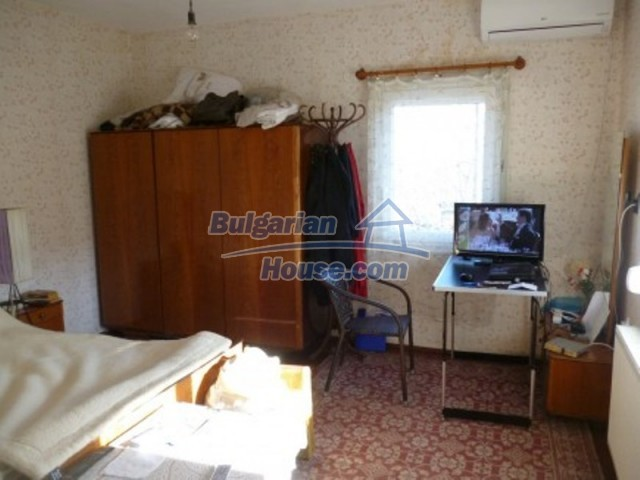 11753:21 - Lovely massive house with another guest house near Vratsa