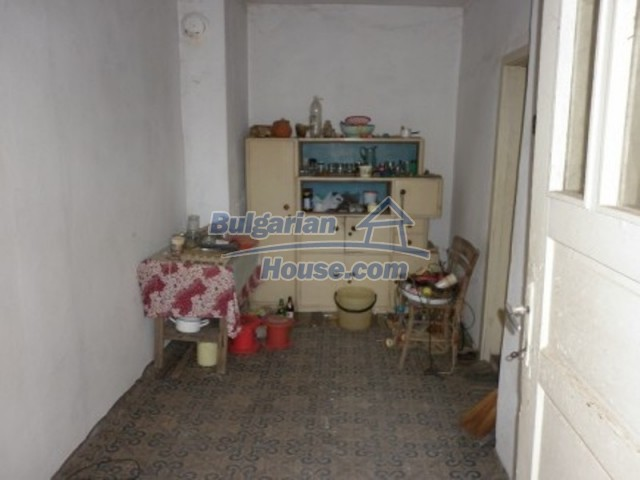 11758:8 - Nice sunny rural house near Vratsa at low price
