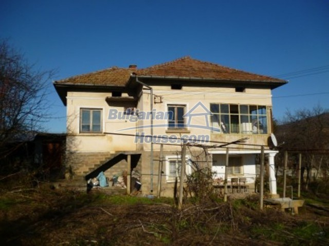 11762:1 - Large house with extensive garden in the mountains - Vratsa