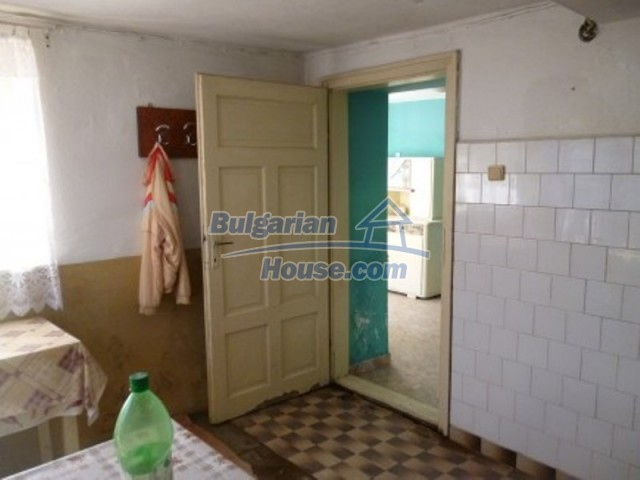11762:13 - Large house with extensive garden in the mountains - Vratsa