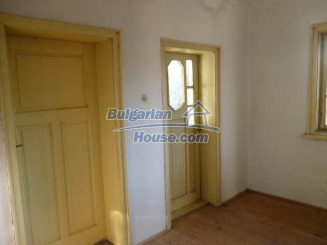 11762:18 - Large house with extensive garden in the mountains - Vratsa