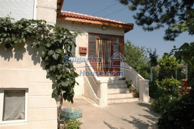 11771:11 - Spacious seaside house with a landscaped yard near Shabla