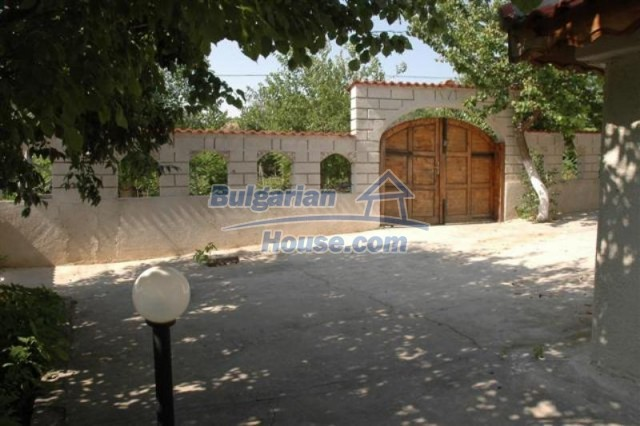 11771:9 - Spacious seaside house with a landscaped yard near Shabla