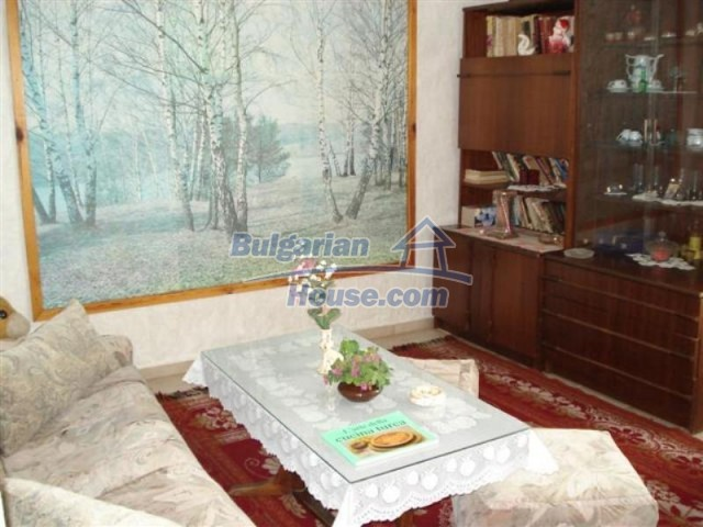 11771:23 - Spacious seaside house with a landscaped yard near Shabla