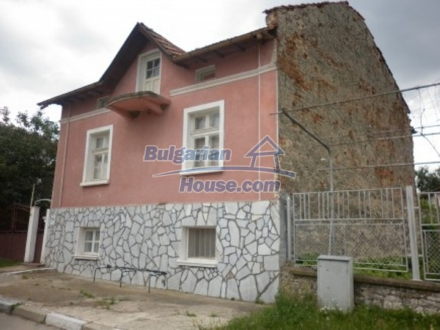 11774:3 - Sunny house with furniture and big garden - Vratsa