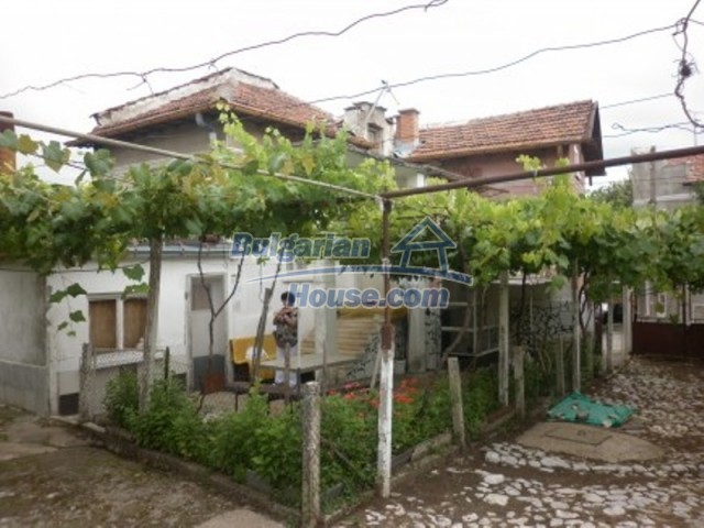 11774:4 - Sunny house with furniture and big garden - Vratsa