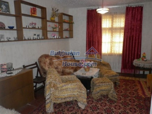 11774:8 - Sunny house with furniture and big garden - Vratsa