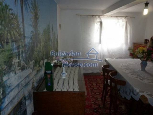11774:14 - Sunny house with furniture and big garden - Vratsa