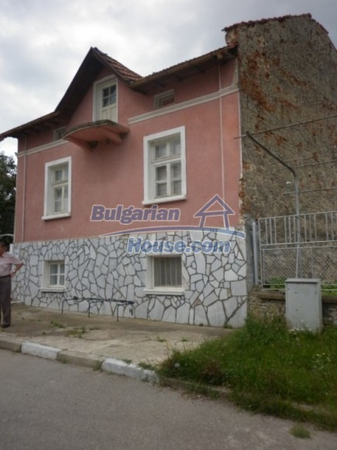 11774:18 - Sunny house with furniture and big garden - Vratsa