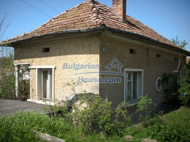11775:2 - Massive rural house with workshops and large garden near Vratsa
