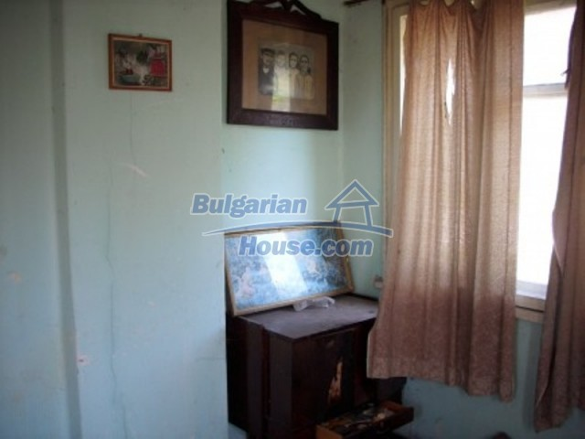 11775:7 - Massive rural house with workshops and large garden near Vratsa