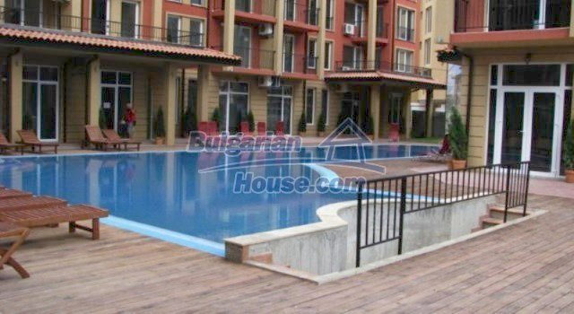11781:7 - Cheap completed apartments - stunning location in Sunny Beach