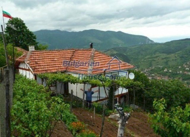 11785:5 - Low-priced property with breathtaking views near Vratsa