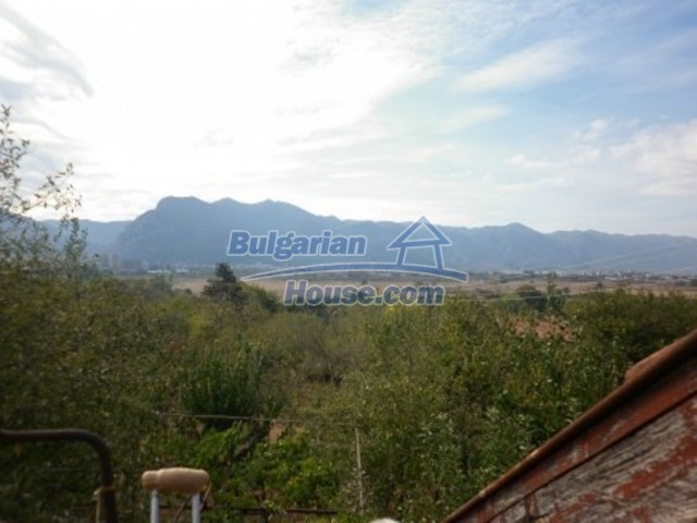 11795:16 - Functional house in the outskirts of Vratsa - nice mountain view
